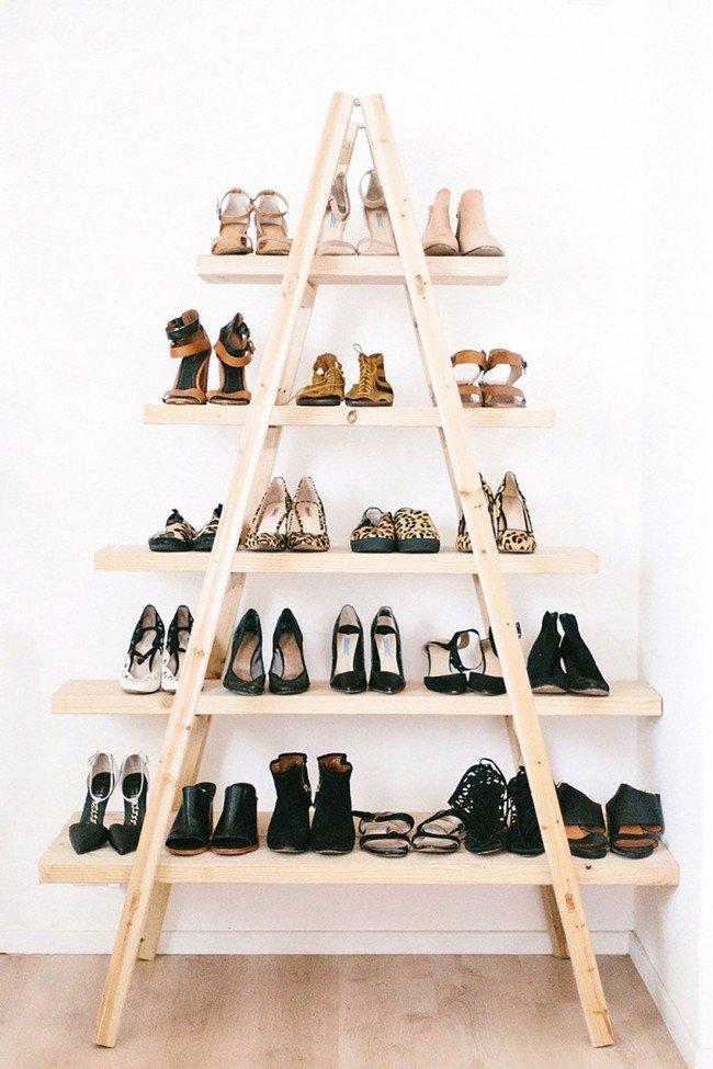 Нужно лишь включить фантазию, которая поможет создать целый предмет гордости из своей коллекции обуви