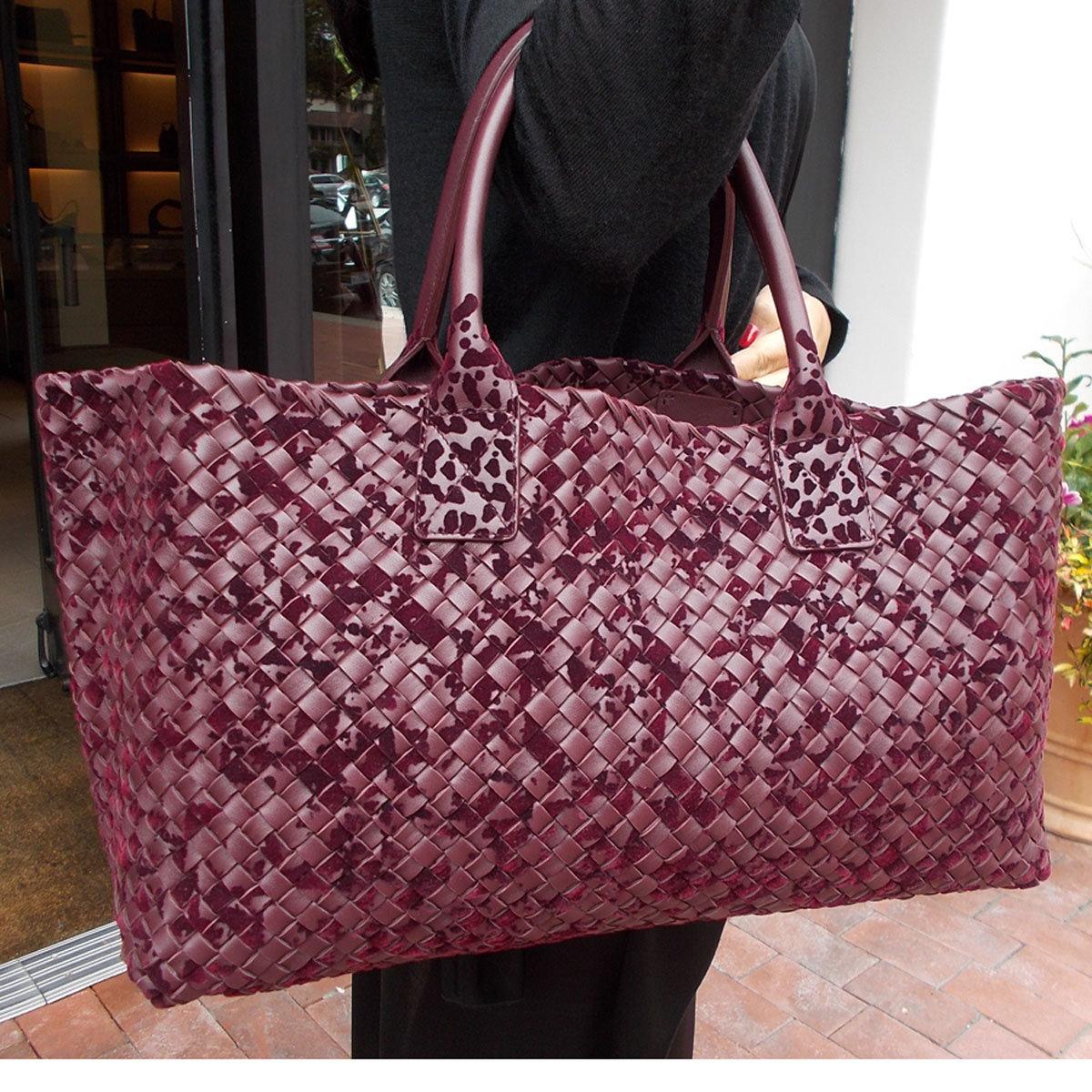 Самые популярные бренды сумок и одежды!