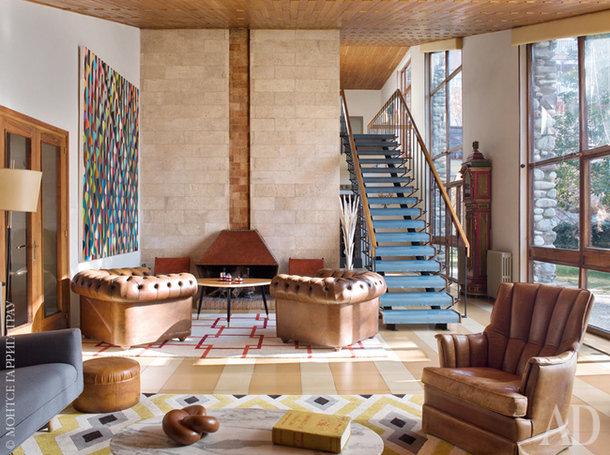 Дизайнер Игнасио Курт унаследовал от родителей настоящий памятник архитектуры Испании 1960-х годов — дом в горах Кади. И придал его интерьеру современное звучание.