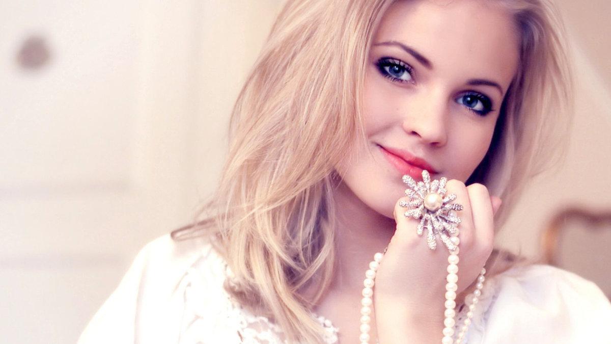 Картинки блондинки с надписями