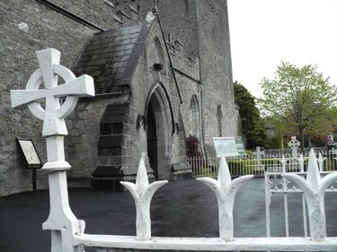 церковь кладбище