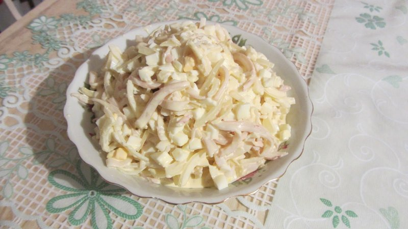 Салат из кальмаровфото