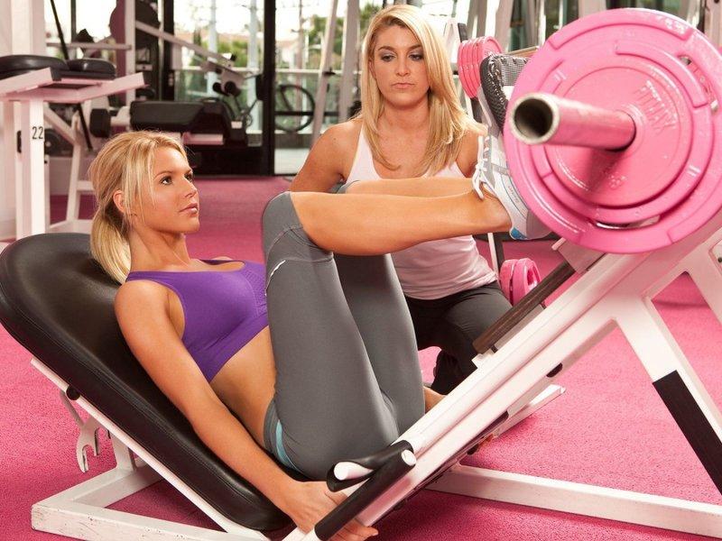 Дівчата у спортзалі - фотогалерея