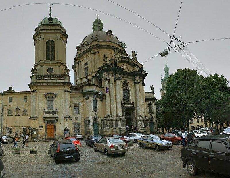 Доминиканский собор и монастырь - старинный памятник архитектуры и действующий костел во Львове