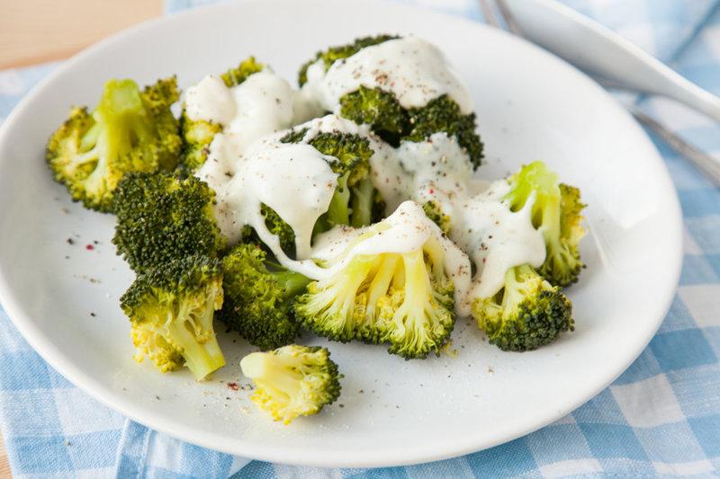 Брокколи с сырным соусом - рецепт - как приготовить - ингредиенты, состав, время приготовления - Леди Mail.Ru