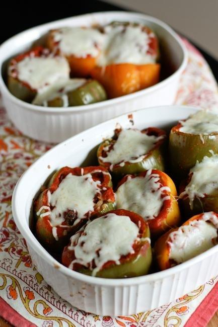 Фаршированные рисом томаты (Доматес йемистес)