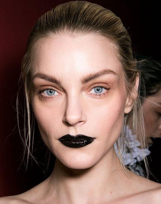 Чёрный макияж