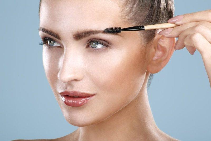 макияж бровей, карандаш с щеточкой