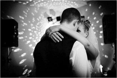 Музыка для свадьбы: танцуем первый танец молодых на новый лад
