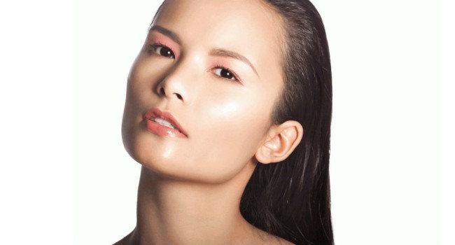 Стробинг (Strobing) — новая техника макияжа?