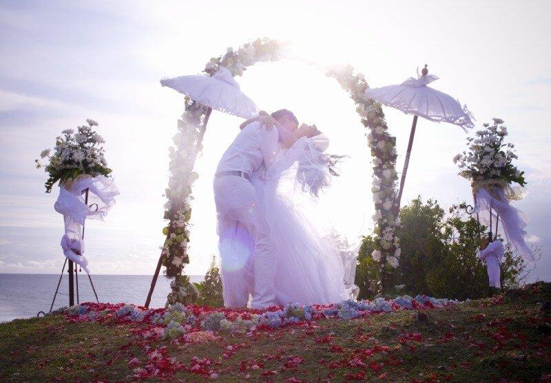 Свадьба на Бали: стоимость свадебных туров - путешествие на остров Бали по выгодной цене и проведение символической свадебной церемонии - Туроператор «Спасские ворота-Туризм»