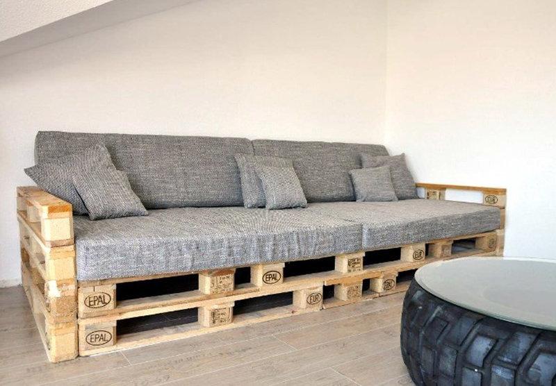 Без сомнений, мебель из паллет своими руками — отличный вариант как для загородного дома, так и для городской квартиры.