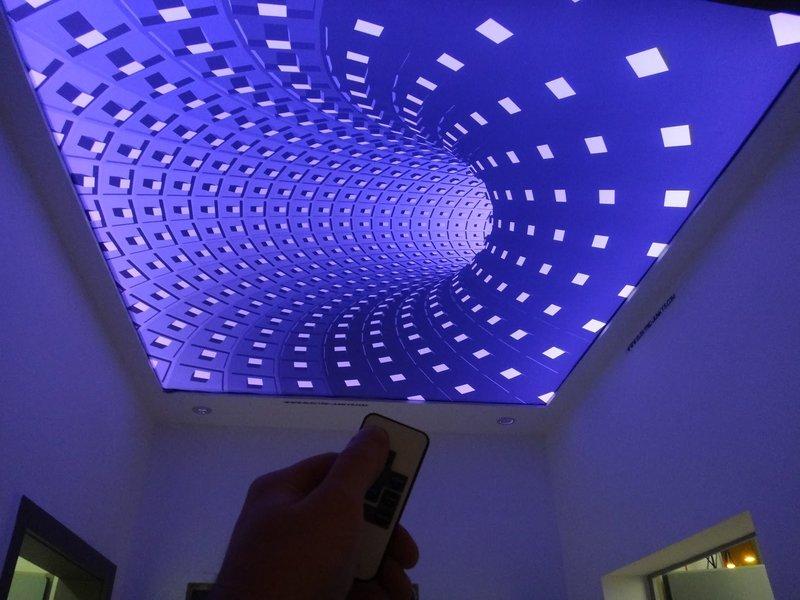 необычное освещение потолка