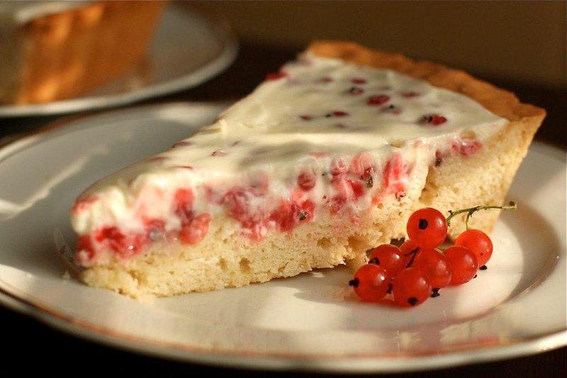 Тарт с красной смородиной.