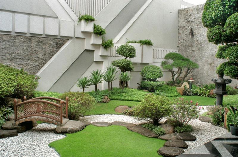 Японский стиль в ландшафтном дизайне, отличается высокой степенью продуманности, где буквально каждый метр занимаемой площади, несет определенную стилевую нагрузку, и по сути, является попыткой соединить на одном небольшом участке, все великолепие Японской природы.
