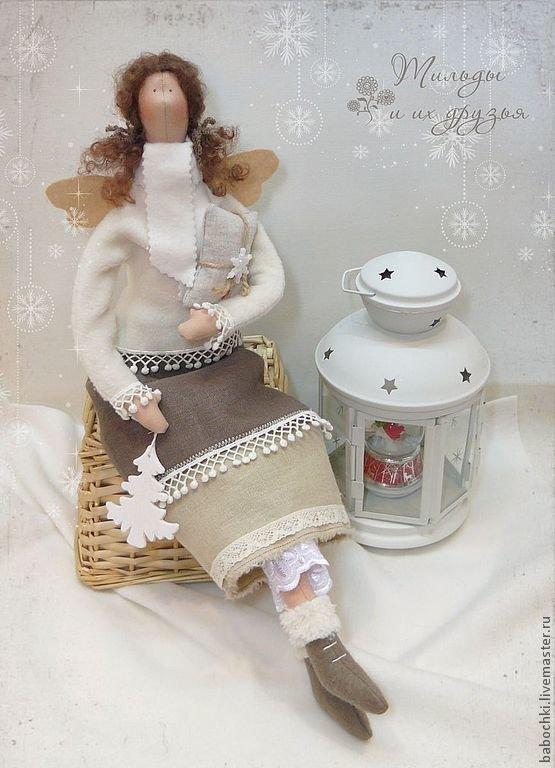 Новогодний Ангел-тильда с подарком.