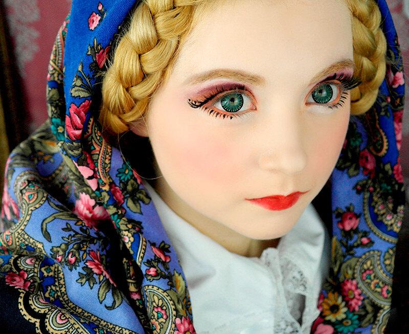 Кукольный макияж позволит создать прекрасный образ для вечеринки на Хэллоуин, ведь не все хотят становиться ведьмами
