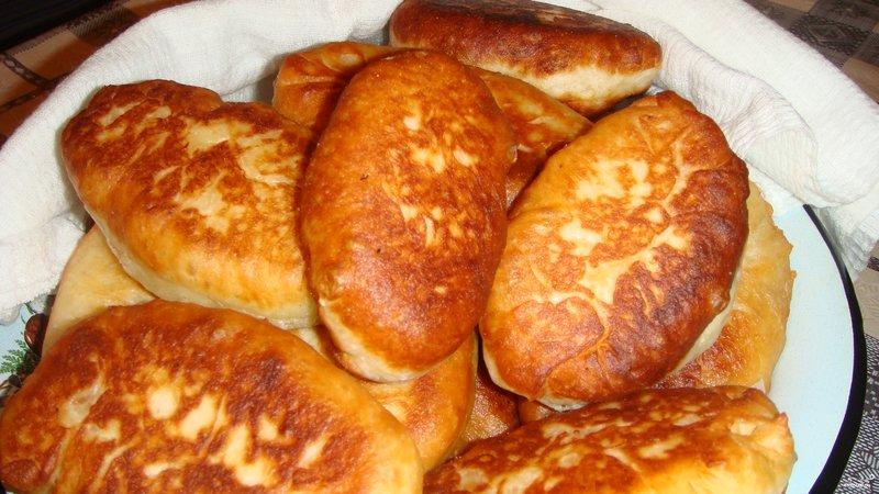 Дрожжевые пирожки на сковороде рецепт с фото