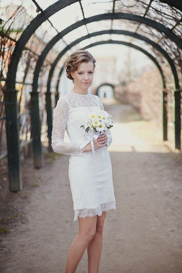 Свадебные фото невест в коротких платьях