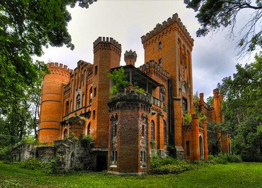 """Всего в нескольких километрах от районного центра Монастырище, что в Черкасской области, располагается прекрасный архитектурно-ландшафтный комплекс """"Усадьба"""