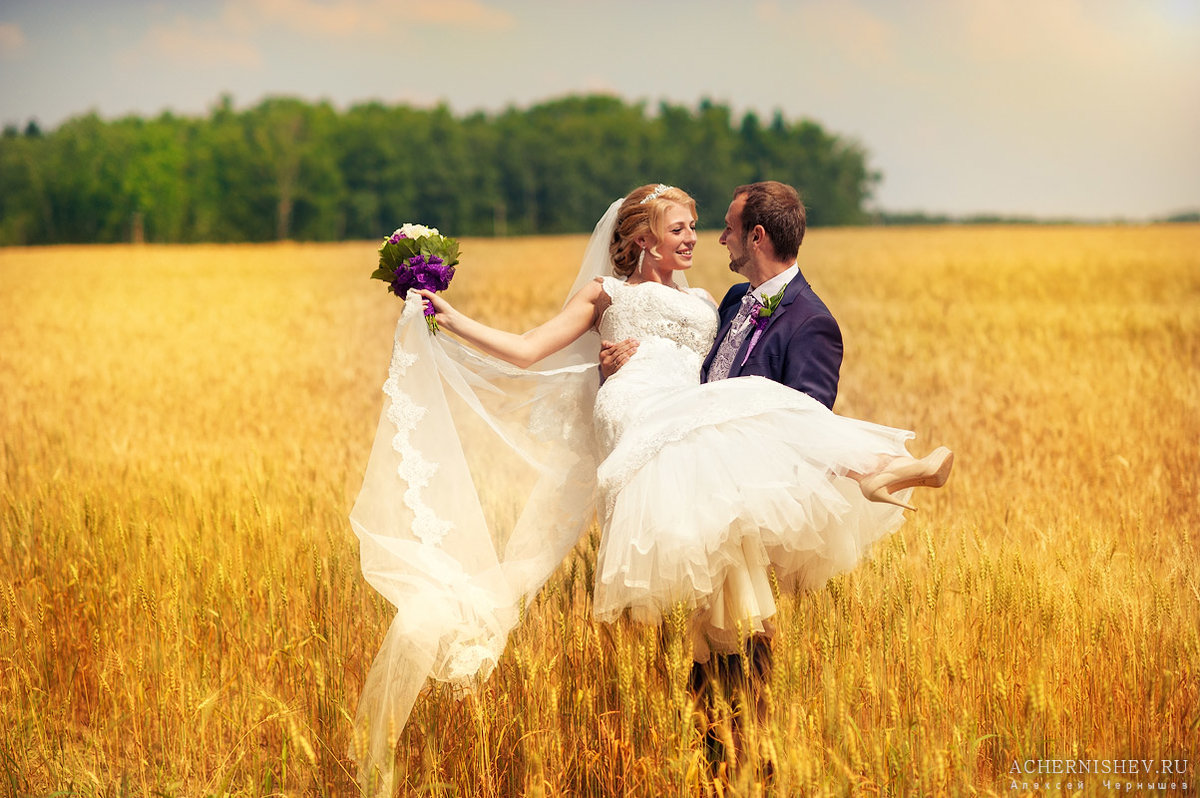 как фотографировать свадьбу в яркий солнечный день подойдет как для
