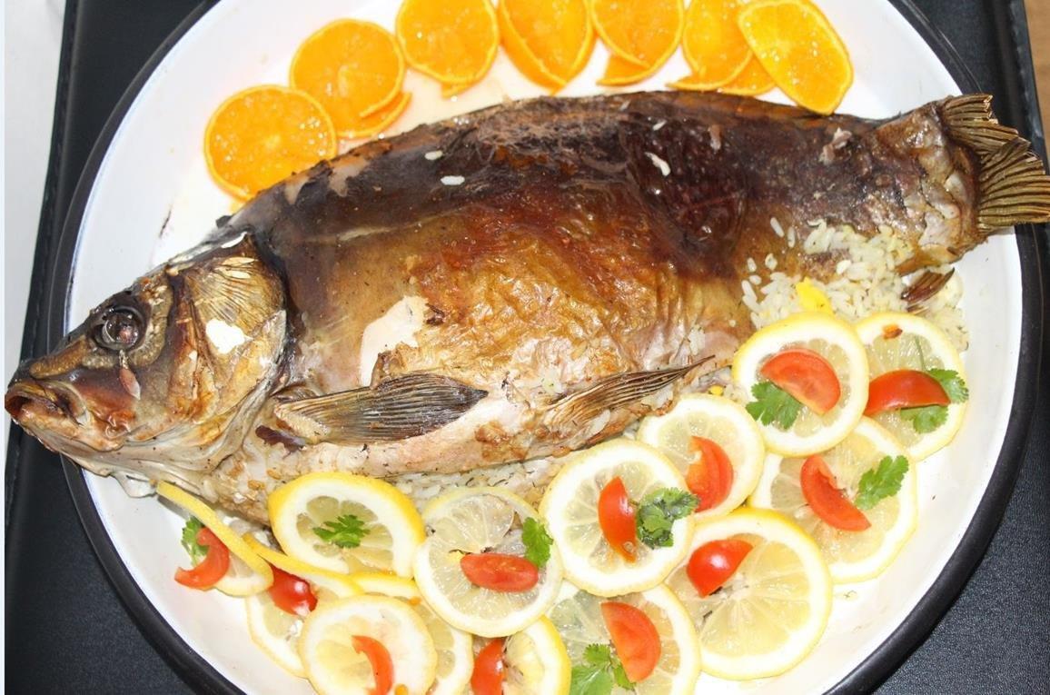 Соус-дип готовят из свежих или запеченных овощей или из фруктов, с добавлением специй, приправ и зелени.