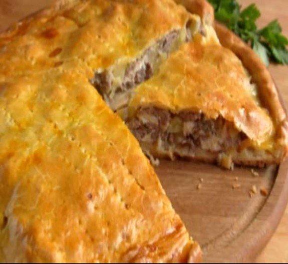 Пирог из мяса и картошки в духовке