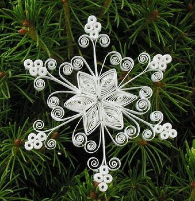 снежинки в стили квиллинг
