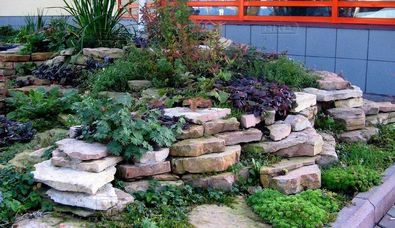 Натуральный камень в ландшафтном дизайне сада
