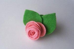 Украшение для волос из фетра «Роза»
