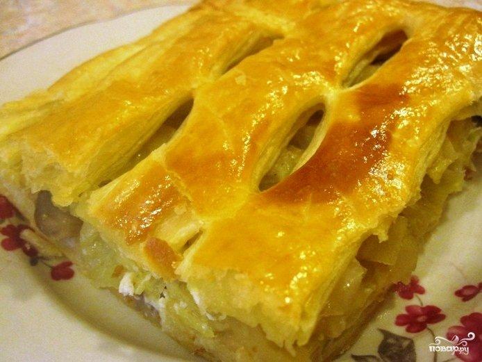 пирог из слоёного теста с капустой и курицей