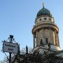Одна из известнейших площадей города - Жандарменмаркт. На нем расположены две церкви: Немецкий Собор (тот что на снимке), Французкий Собор (с ...