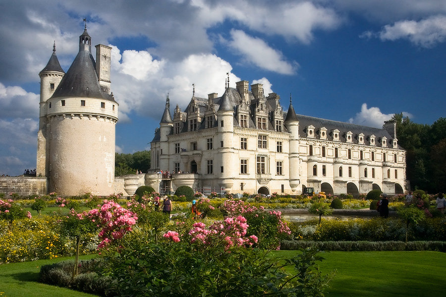 поиск название дворцов и замков можете