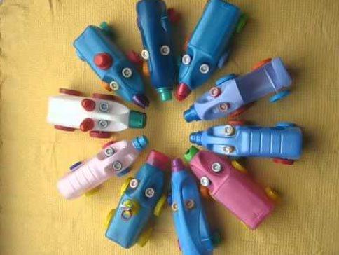 Поделки из пластиковых бутылок для сада, дачи и для детей Машинки из пластиковой бутылки
