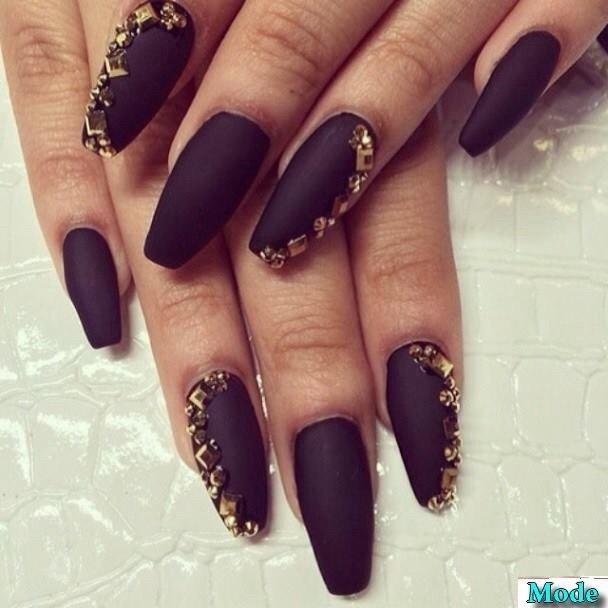 черно-золотой дизайн ногтей фото