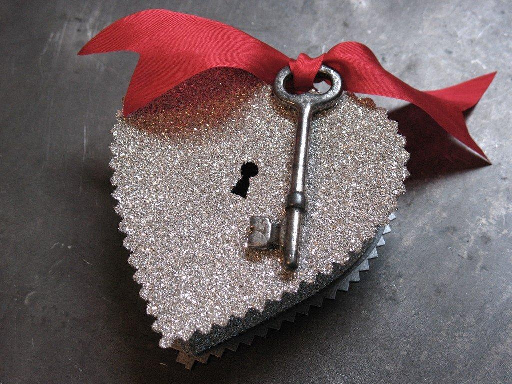 Открытка в виде ключа