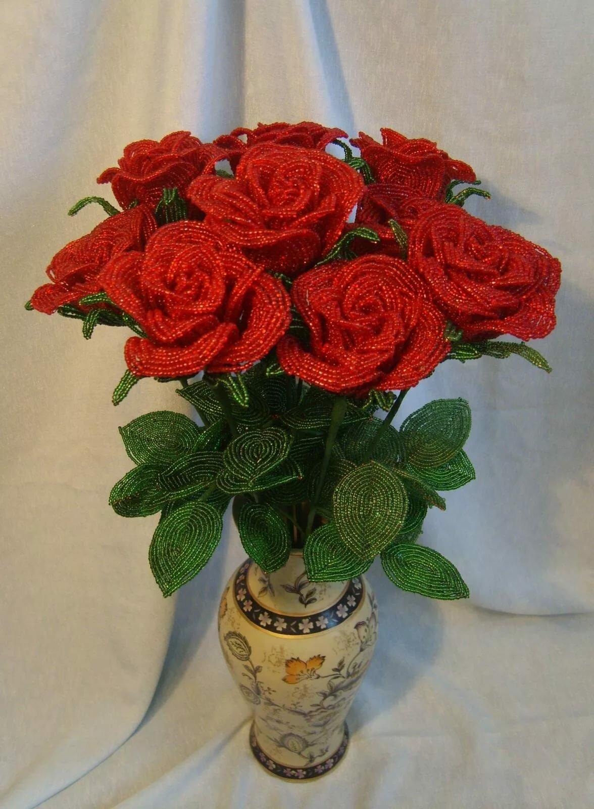 очень красивый букет роз из бисера была обновлена страничка