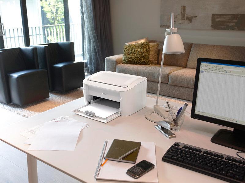 Тщательно продуманное освещение домашнего офиса повысит продуктивность деятельности и сделает рабочие часы не нудной обязанностью, а удовольствием.