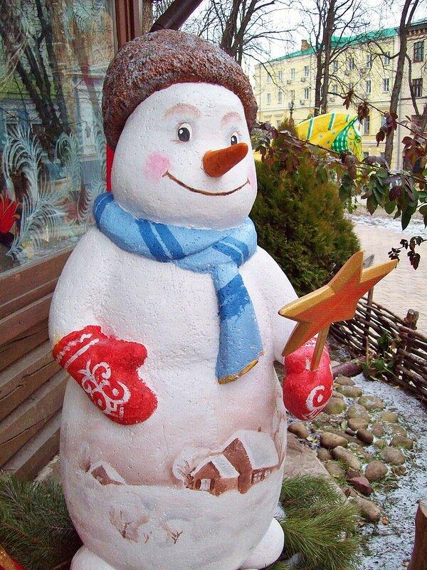 Символ Нового года - снеговик. На Хрещатике