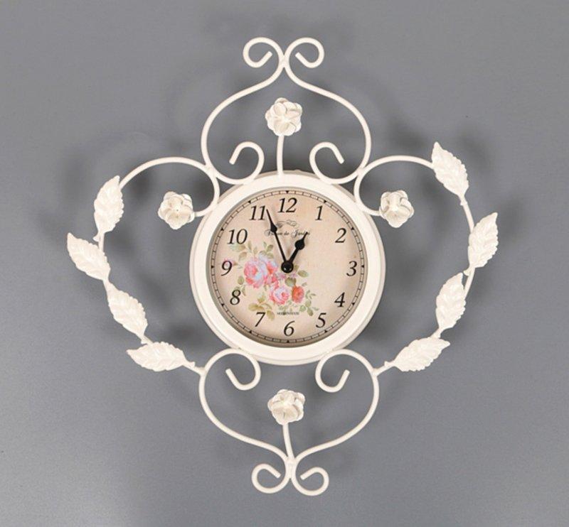 часы настенные с листочками