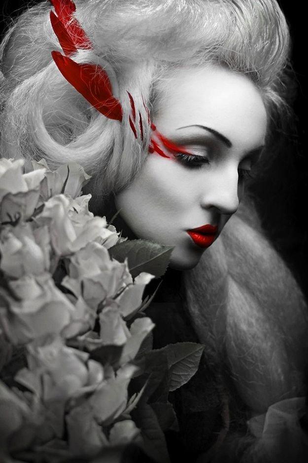 Картинки с девушками черные белые красные