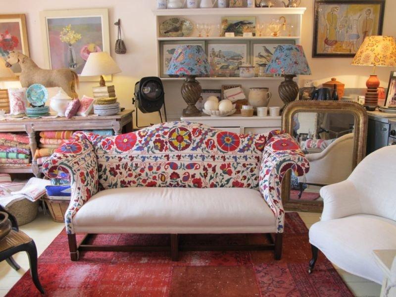 Выбираем диван в зависимости от стиля гостиной.