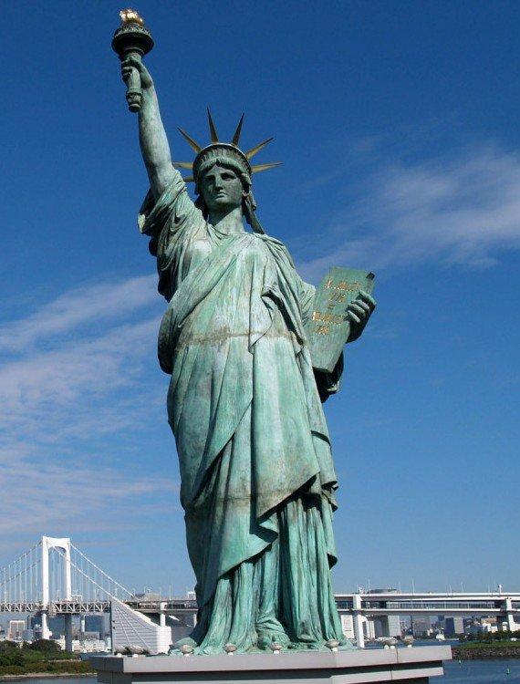 Статую Свободы закрывают на год Статую Свободы закрывают на реконструкцию