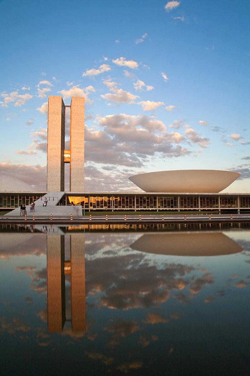 Искусствовед Юлия Малкина совершила трехнедельный тур по Южной Америке, побывав в двух самых больших странах материка — Бразилии и Аргентине, и рассказала ELLE DECORATION о самых интересных точках маршрута. Поехали!