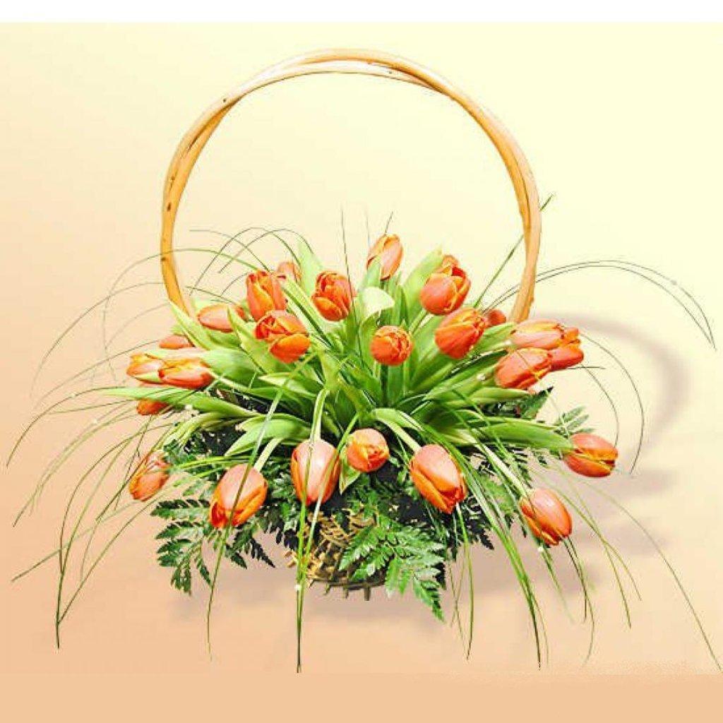 Открытка корзинка с тюльпанами