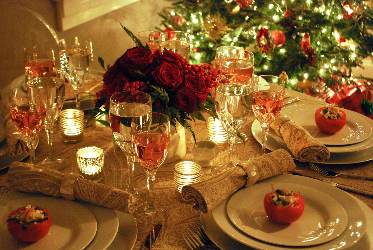 ткани картинки новогоднего домашнего стола с едой видны