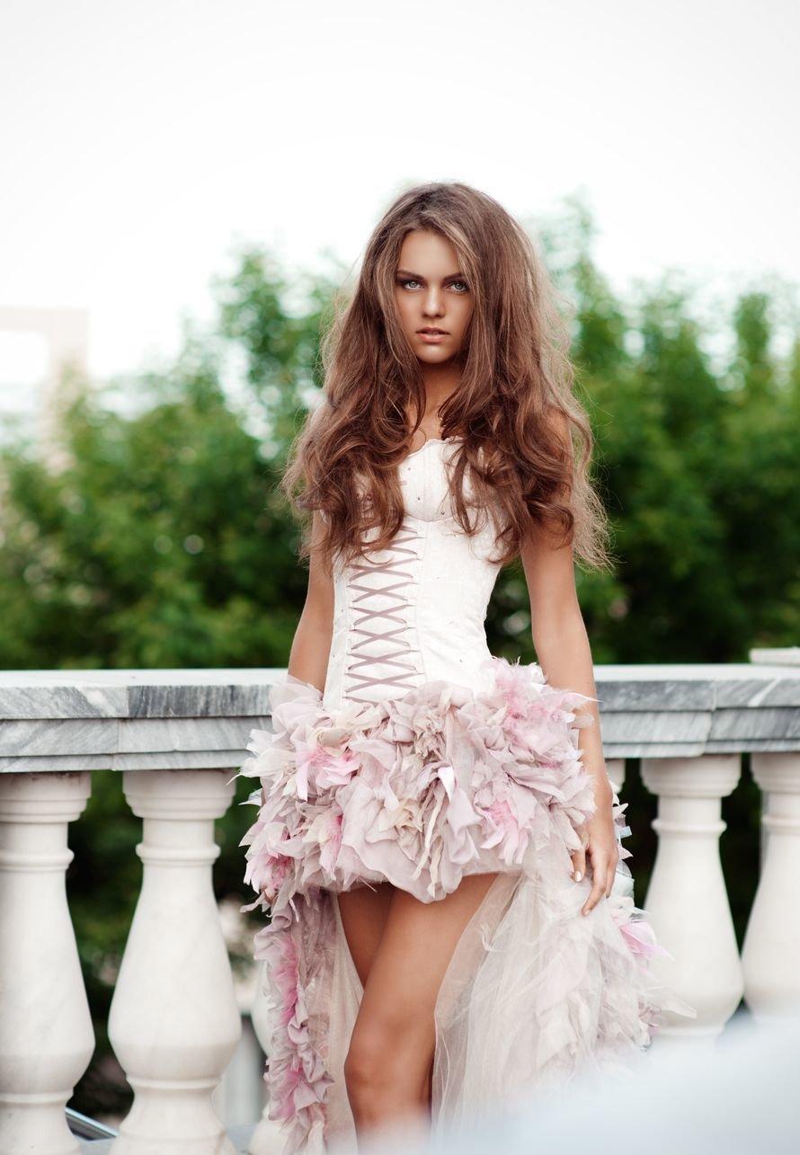Фото невест в коротком платье