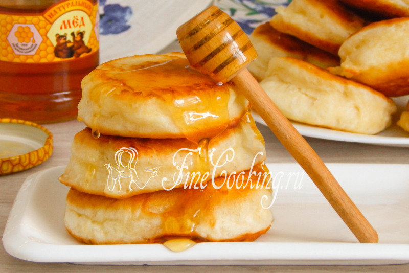 Дрожжевые оладьи на молоке рецепт с фото