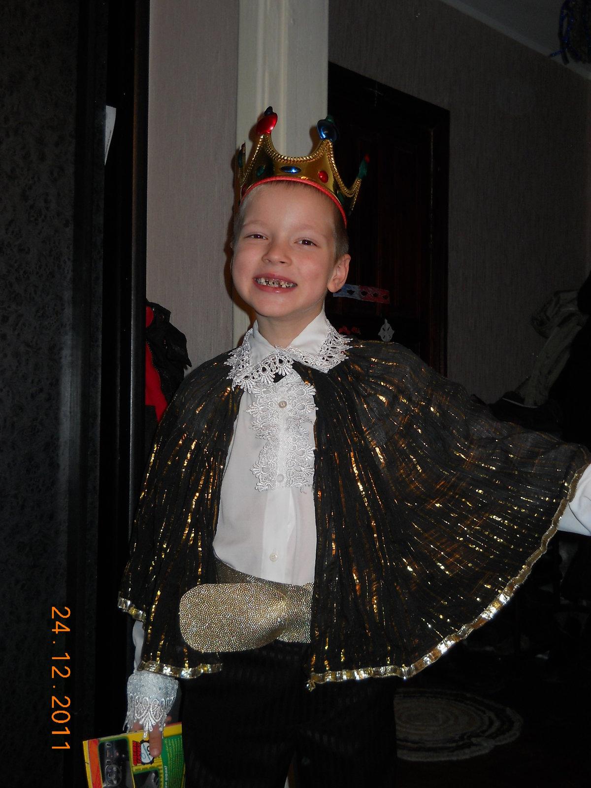«Самодельный новогодний костюм Короля для деток ... - photo#5