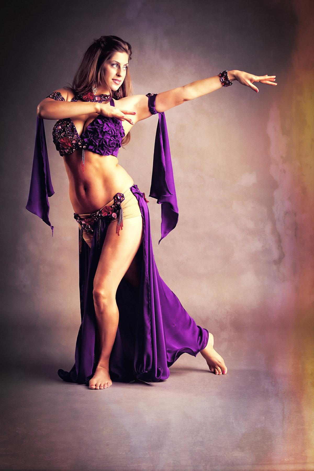 Смотреть видео танец живота, женщины с волосатой пиздой между ножек